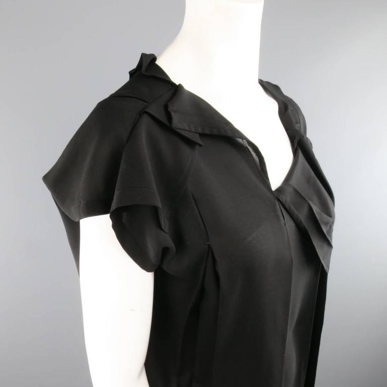 ISSEY MIYAKE Size L Black Asymmetrical Pleated Chiffon Blouse In Excellent Condition For Sale In San Francisco, CA