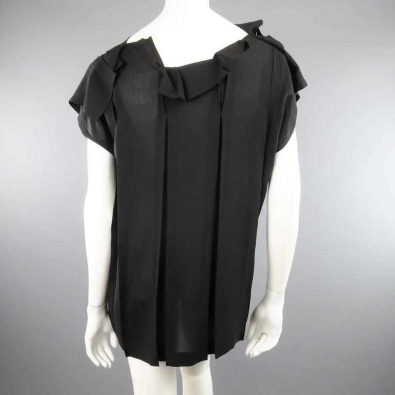ISSEY MIYAKE Size L Black Asymmetrical Pleated Chiffon Blouse For Sale 2