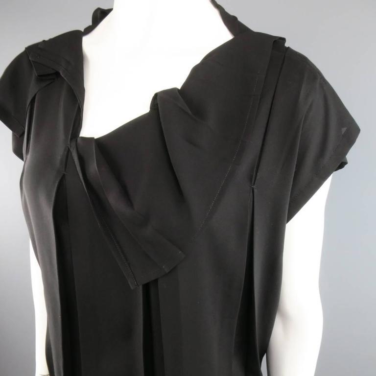 Women's ISSEY MIYAKE Size L Black Asymmetrical Pleated Chiffon Blouse For Sale