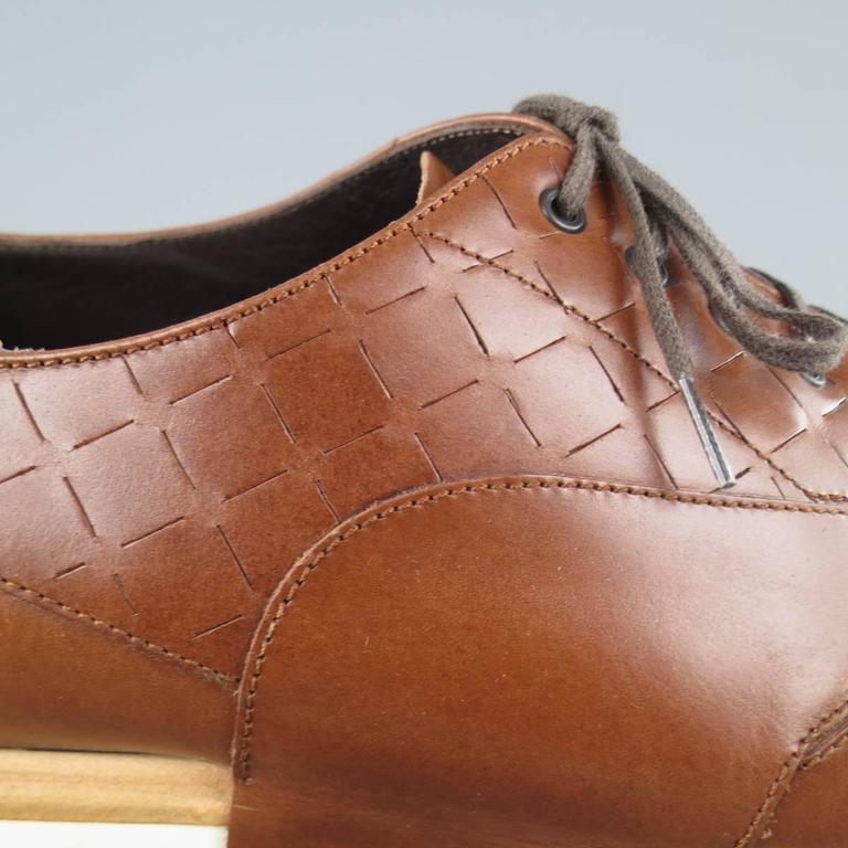 Men's SALVATORE FERRAGAMO Size 11 Tan Solid Leather Wingtip Rubber Sole Lace Up 2