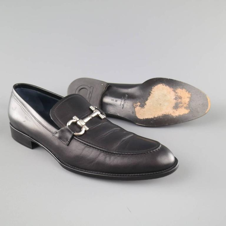 Men's SALVATORE FERRAGAMO Size 11 Black Leather Double Gancini Horsebit Loafers For Sale 2