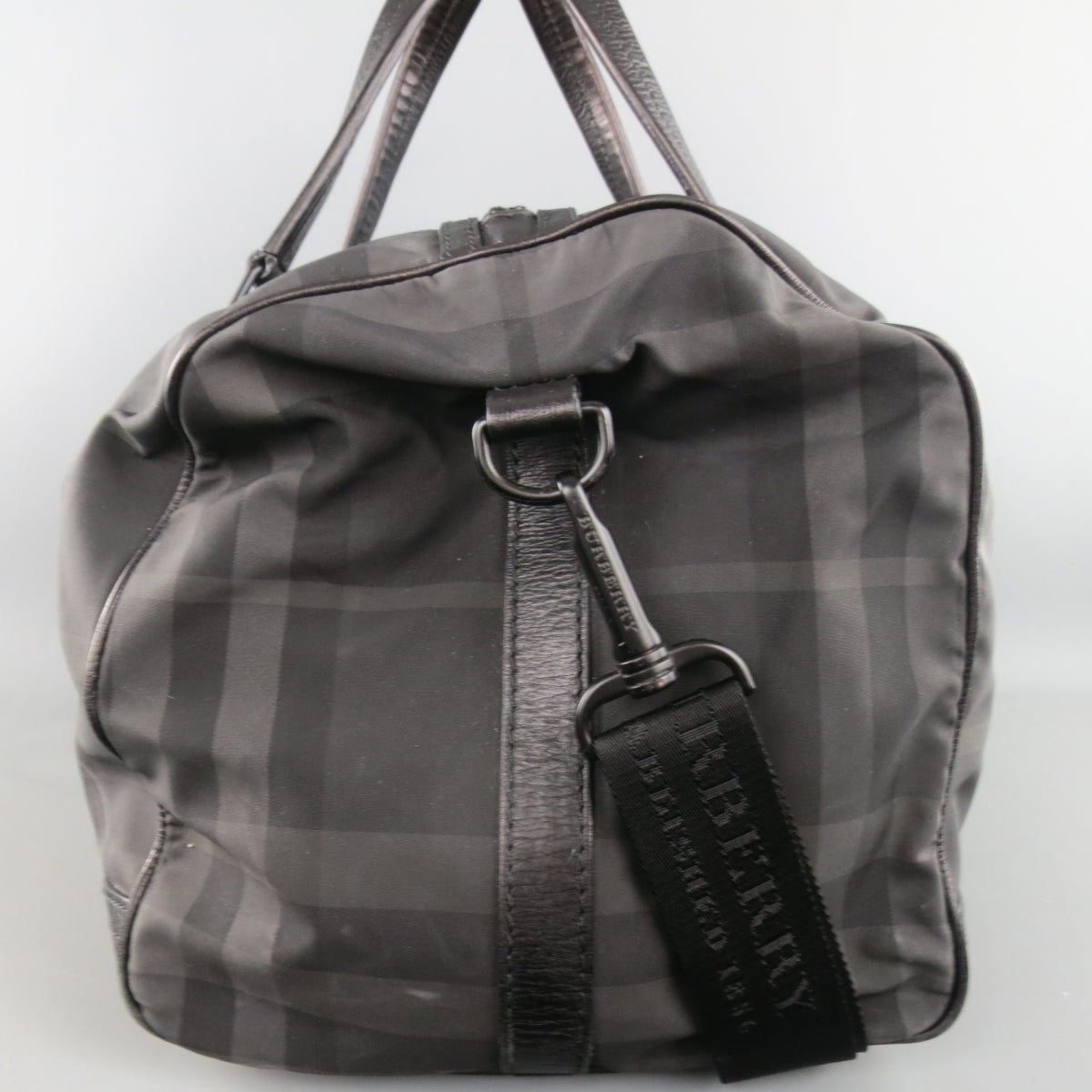 b68943d78286 BURBERRY Black and Grey Plaid Nylon and Leather Large Duffle Bag at 1stdibs