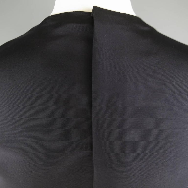 Vintage 1980s GIANNI VERSACE Size 6 Black Silk Tafeta Sleeveless Shell Blouse In Excellent Condition For Sale In San Francisco, CA