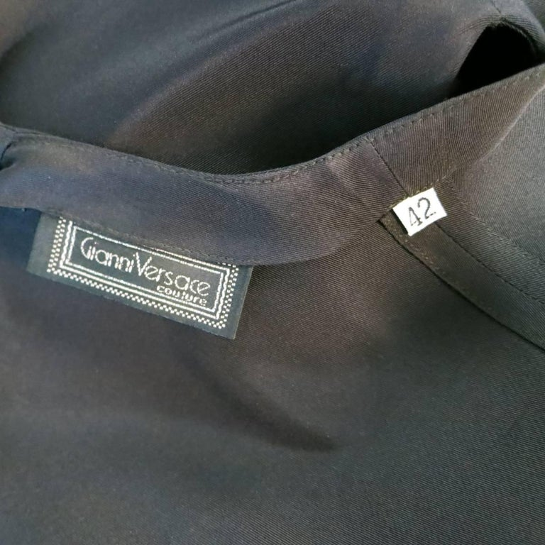 Women's Vintage 1980s GIANNI VERSACE Size 6 Black Silk Tafeta Sleeveless Shell Blouse For Sale