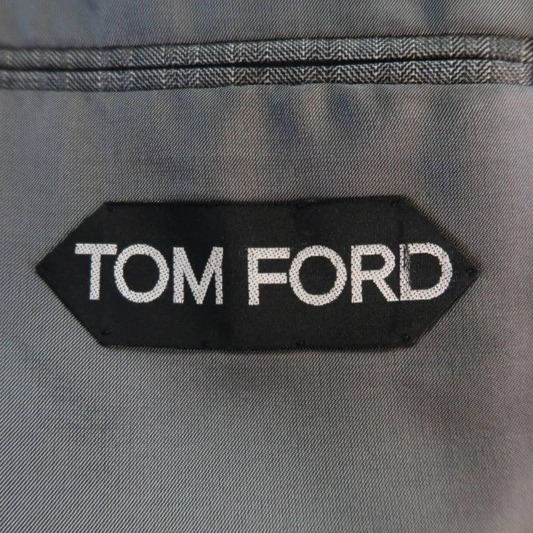 Men's TOM FORD 40 Regular Grey Herringbone Wool Peak Lapel Suit 9