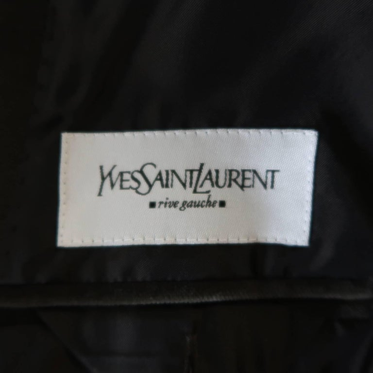 YVES SAINT LAURENT Size 34 Dark Taupe Velvet Patch Pocket Sport Coat For Sale 2