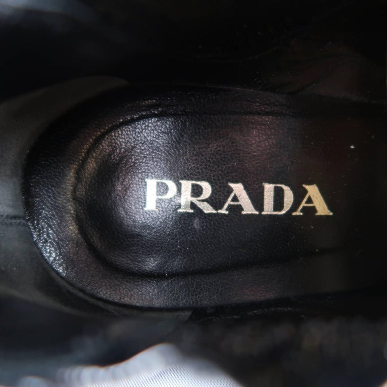 PRADA Size 7.5 Black Textured Patent Leather Pointed Kitten Heel Booties For Sale 3