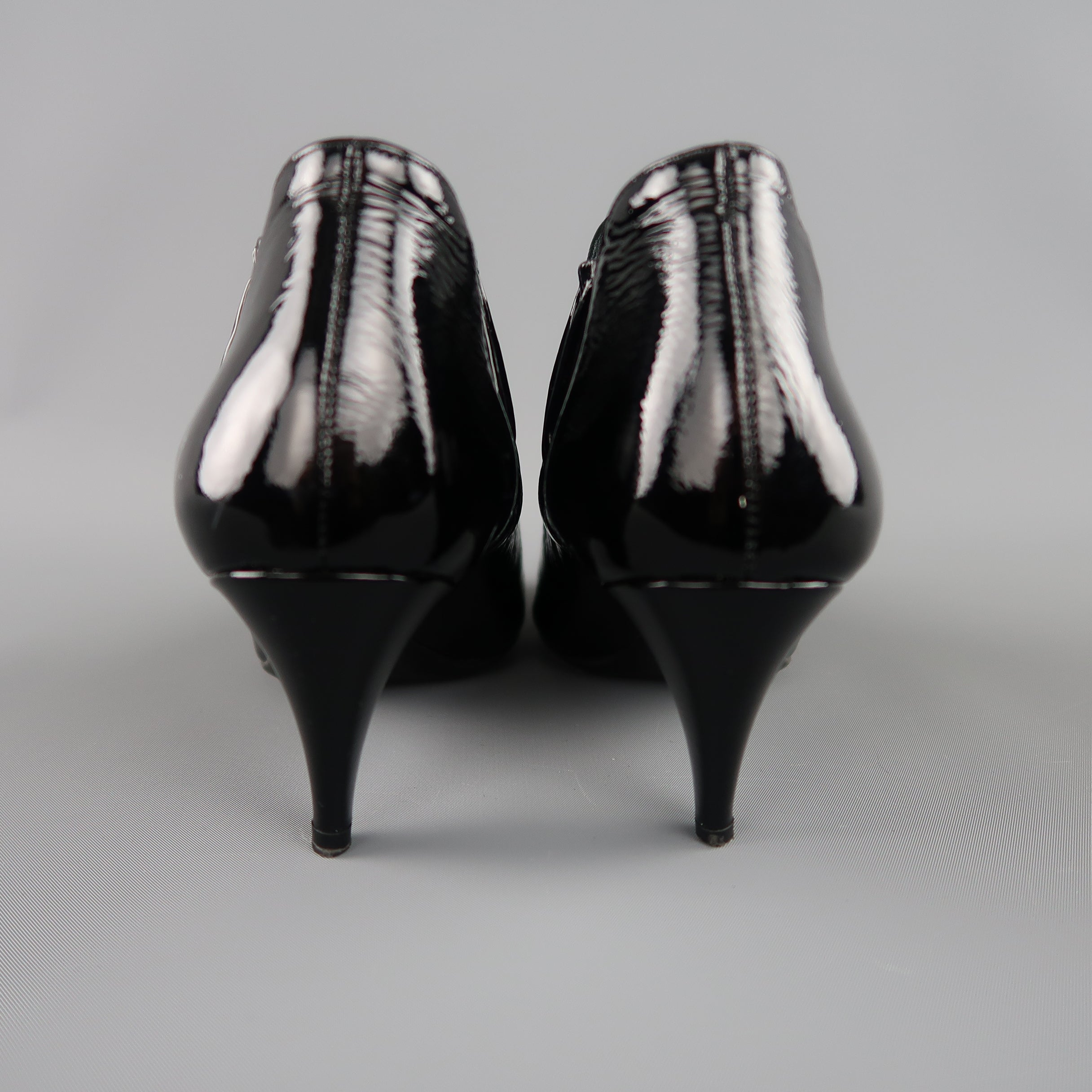 c5da9acdb204 PRADA Size 7.5 Black Textured Patent Leather Pointed Kitten Heel Booties at  1stdibs