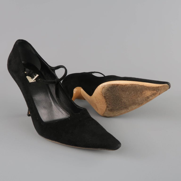 77cb9632c PRADA Size 8 Black Suede Pointed Cuved Heel T-strap Pumps In Good Condition  For