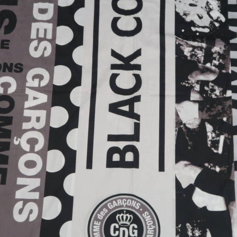 COMME des GARCONS BLACK Grey & Black Printed Cotton Blanket Scarf For Sale 4