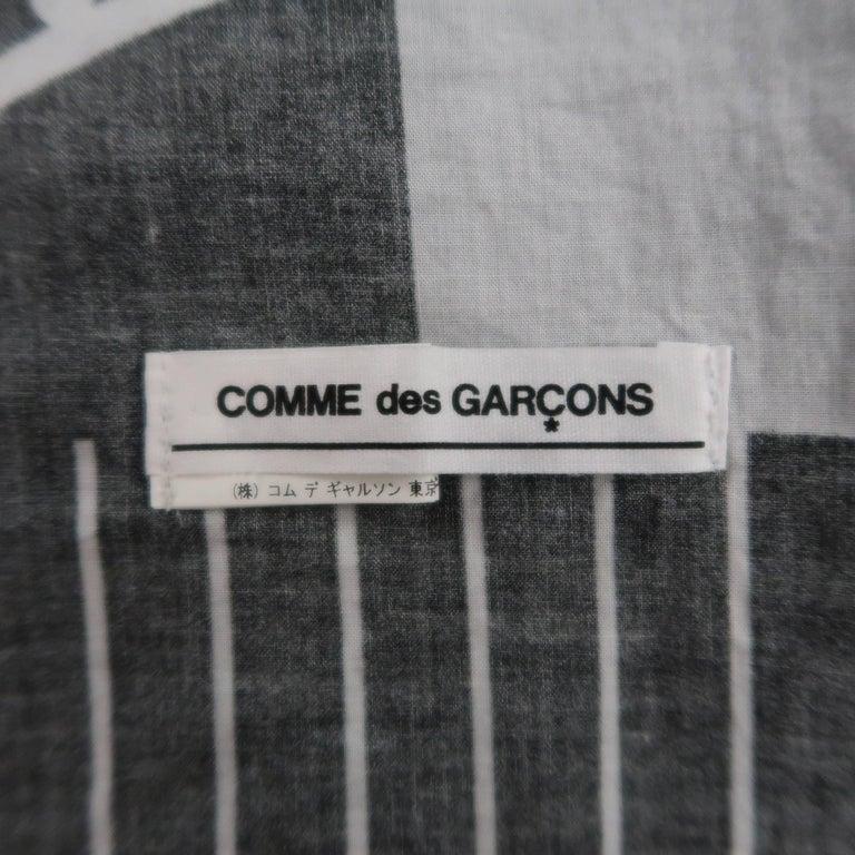 COMME des GARCONS BLACK Grey & Black Printed Cotton Blanket Scarf For Sale 5