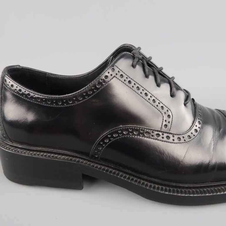 92e1b729b23 Men s GUCCI Size 9 Black Perforated Leather Square Cap Toe Brogue Lace For  Sale. GUCCI dress shoes come in polished black leather and feature a square  cap ...