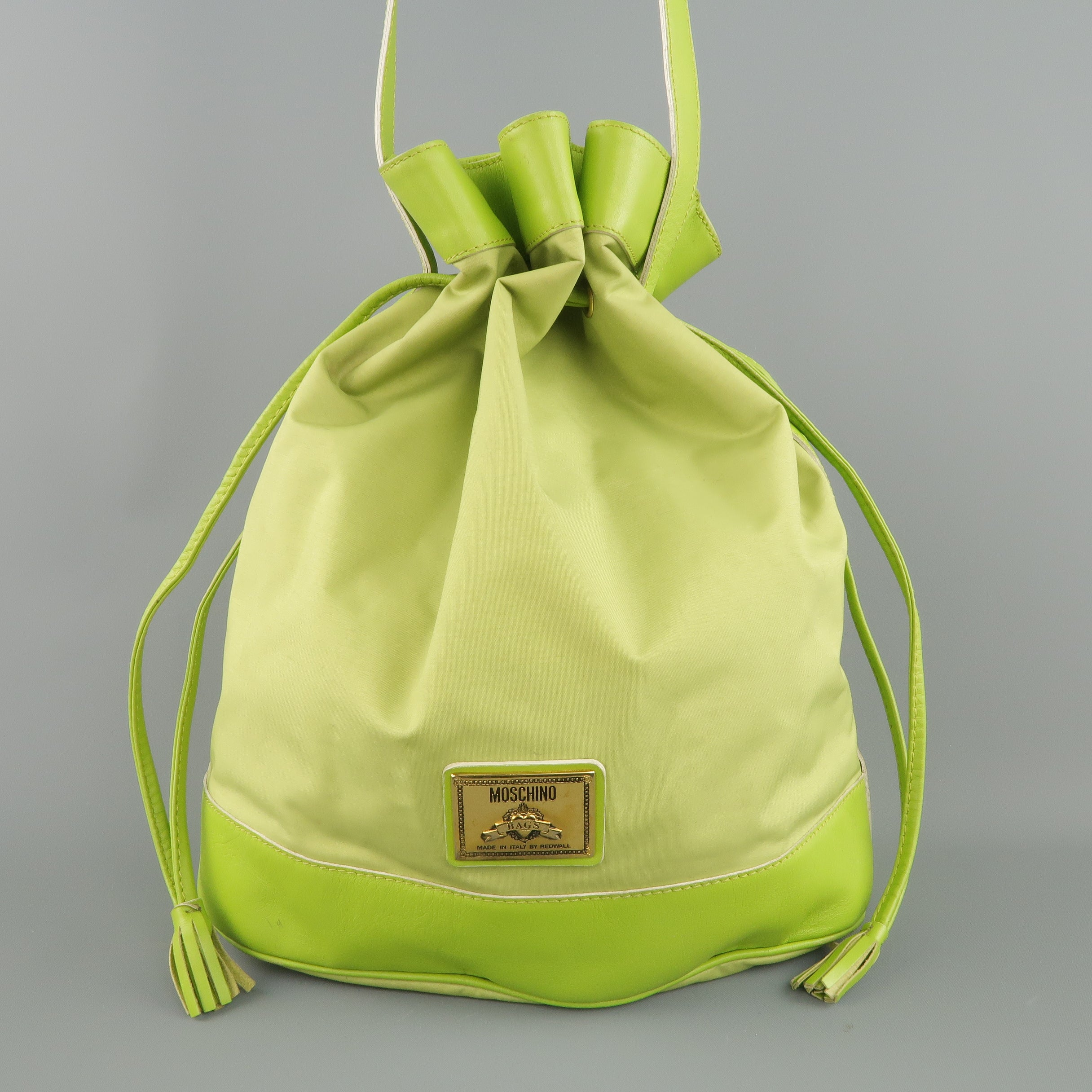 54ebf30299f Vintage 1990s MOSCHINO Green Canvas Drawstring Bucket Handbag For Sale at  1stdibs