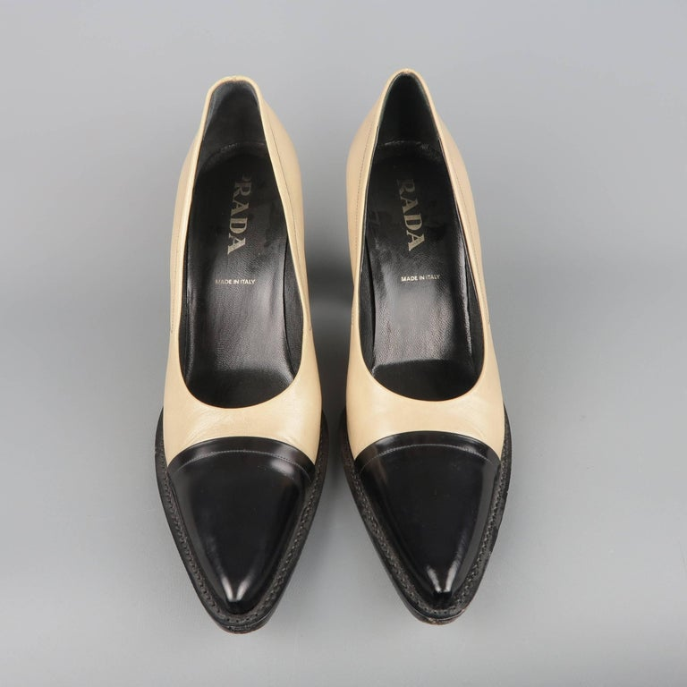 Women's PRADA Size 10 Beige & Black Leather Cap Toe Pointed Toe Pumps For Sale