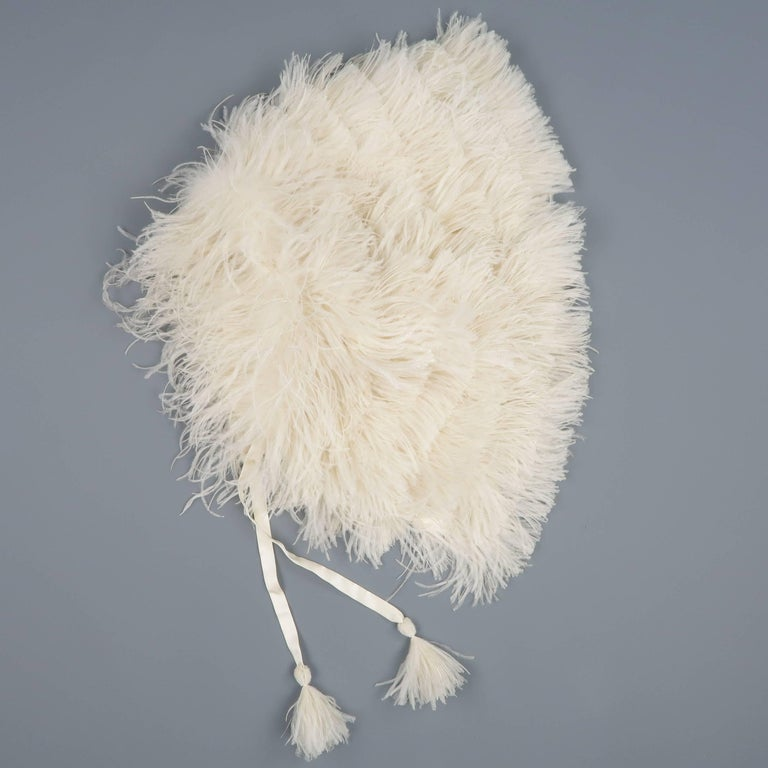 RALPH LAUREN Collection Cream Silk Lined Ostrich Feather Capelet For Sale 1