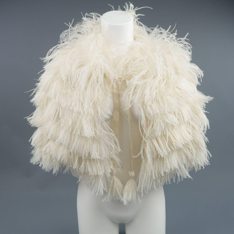 RALPH LAUREN Collection Cream Silk Lined Ostrich Feather Capelet For Sale 2