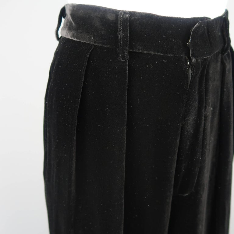 DONNA KARAN Size 8 Black Velvet High Rise Pleated Dress Pants In Excellent Condition For Sale In San Francisco, CA