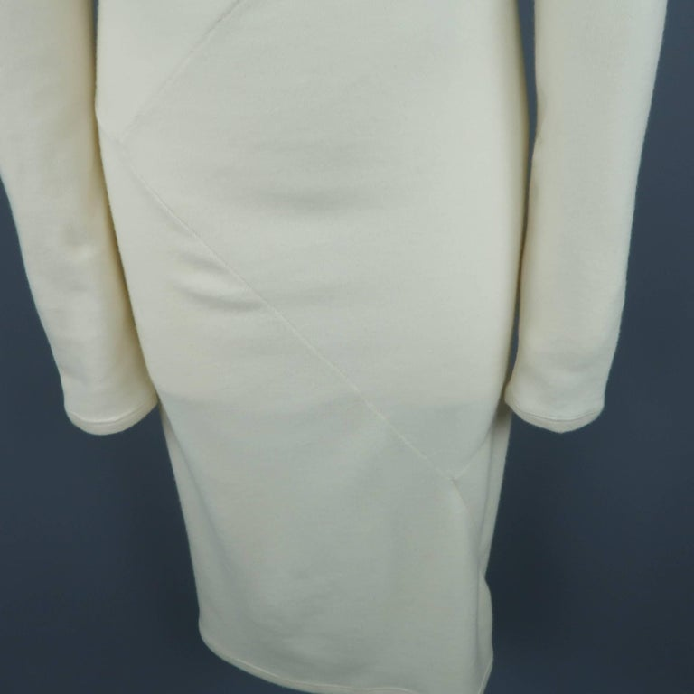 DONNA KARAN Size M Cream Cashmere Turtleneck Sweater Dress In Good Condition For Sale In San Francisco, CA
