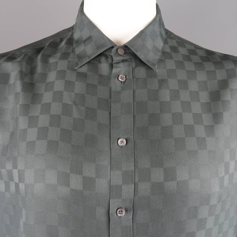 94d905cd Louis Vuitton shirt sleeved shirt come sin charcoal gray Damier checkered  textured silk twill with a
