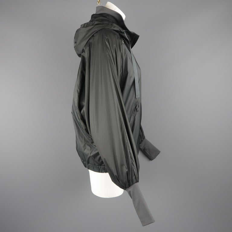 RLX by RALPH LAUREN Size S Gray Nylon Hooded Batwing Sleeve Jacket For Sale 2