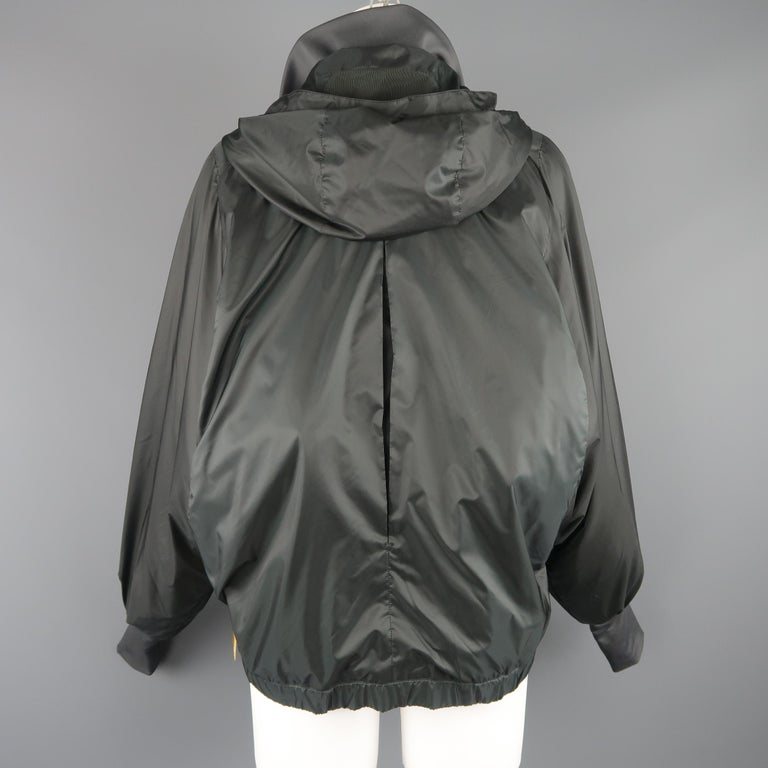 RLX by RALPH LAUREN Size S Gray Nylon Hooded Batwing Sleeve Jacket For Sale 3