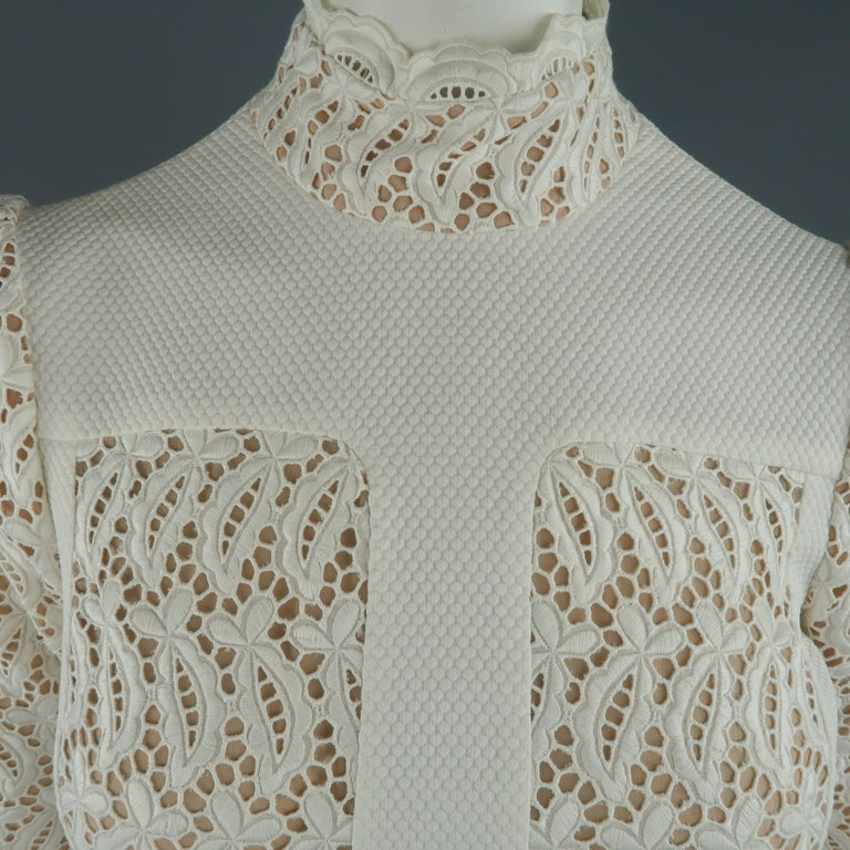 Alexander McQueen White Cream Lace Cocktail Dress, Pre-Fall 2015 Runway In Excellent Condition For Sale In San Francisco, CA