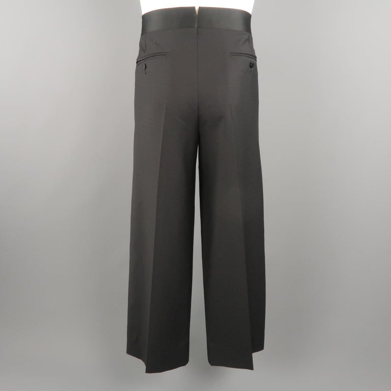 08391dd1b Vintage GUCCI pleated front dress pants come in black tone wool material,  with waistband and