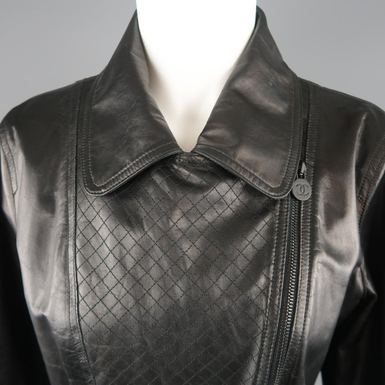 CHANEL Leather Jacket - Size 10 Black Quilted Leather CC Zip Motorcycle Jacket For Sale 1