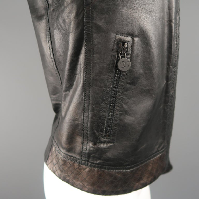 CHANEL Leather Jacket - Size 10 Black Quilted Leather CC Zip Motorcycle Jacket For Sale 6
