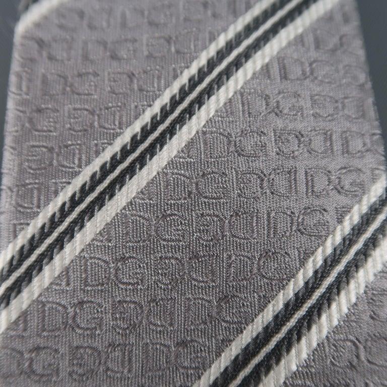 DOLCE & GABBANA Silver Diagonal Stripe Skinny Silk Tie In Excellent Condition For Sale In San Francisco, CA