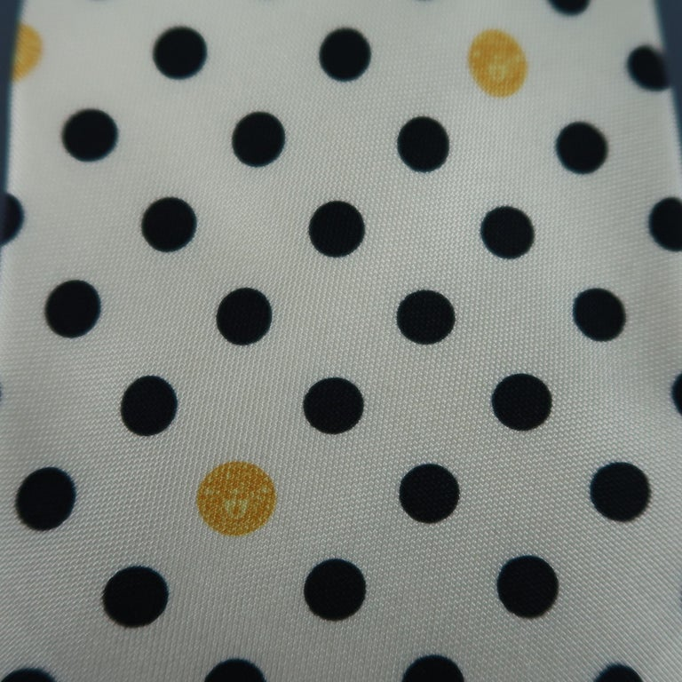 GIANNI VERSACE Vintage Beige Black Dots Silk Tie In Excellent Condition For Sale In San Francisco, CA