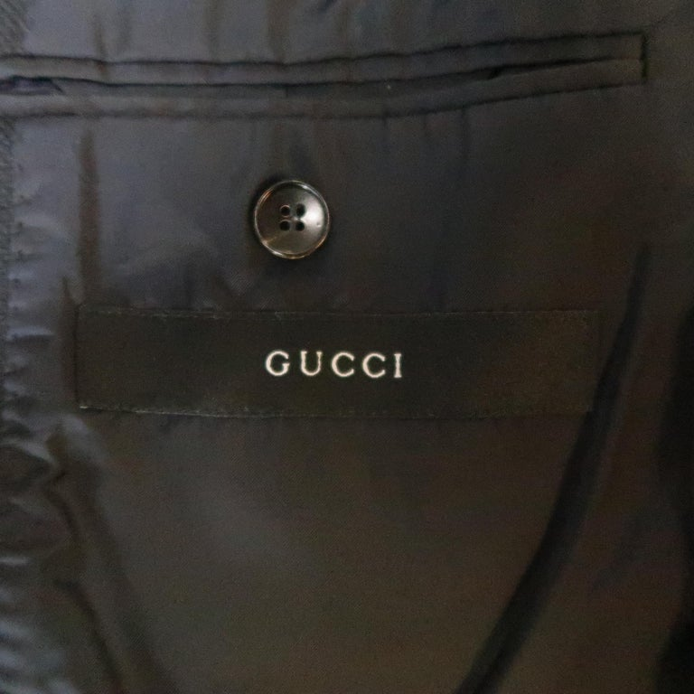 GUCCI 36 Navy Woven Wool / Mohair Notch Lapel Sport Coat For Sale 1