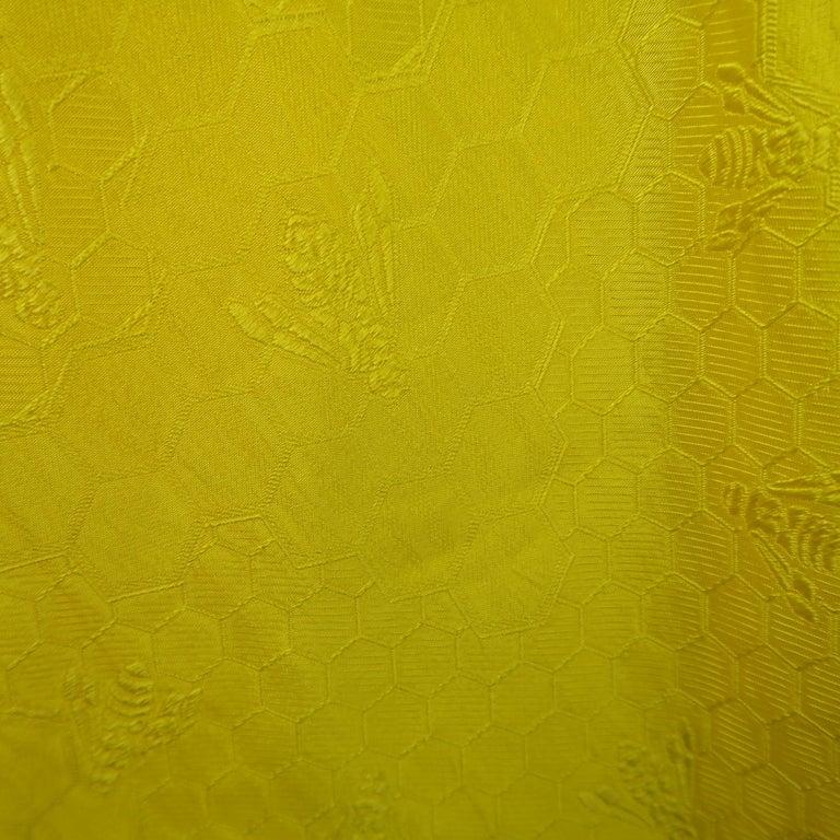 ALEXANDER MCQUEEN - Spring 2013 Runway 8 Yellow Silk Off Shoulder Cocktail Dress For Sale 3