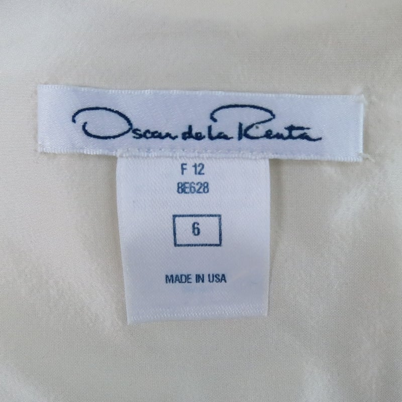 2012 Runway OSCAR DE LA RENTA Size 6 Off White Silk Beaded Cocktail Dress For Sale 2