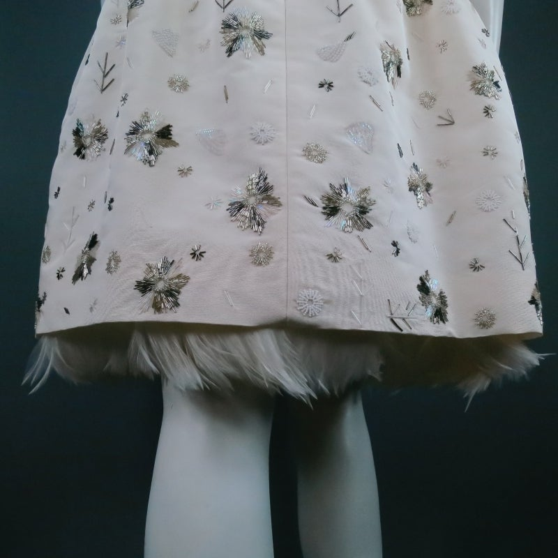 2012 Runway OSCAR DE LA RENTA Size 6 Off White Silk Beaded Cocktail Dress For Sale 1