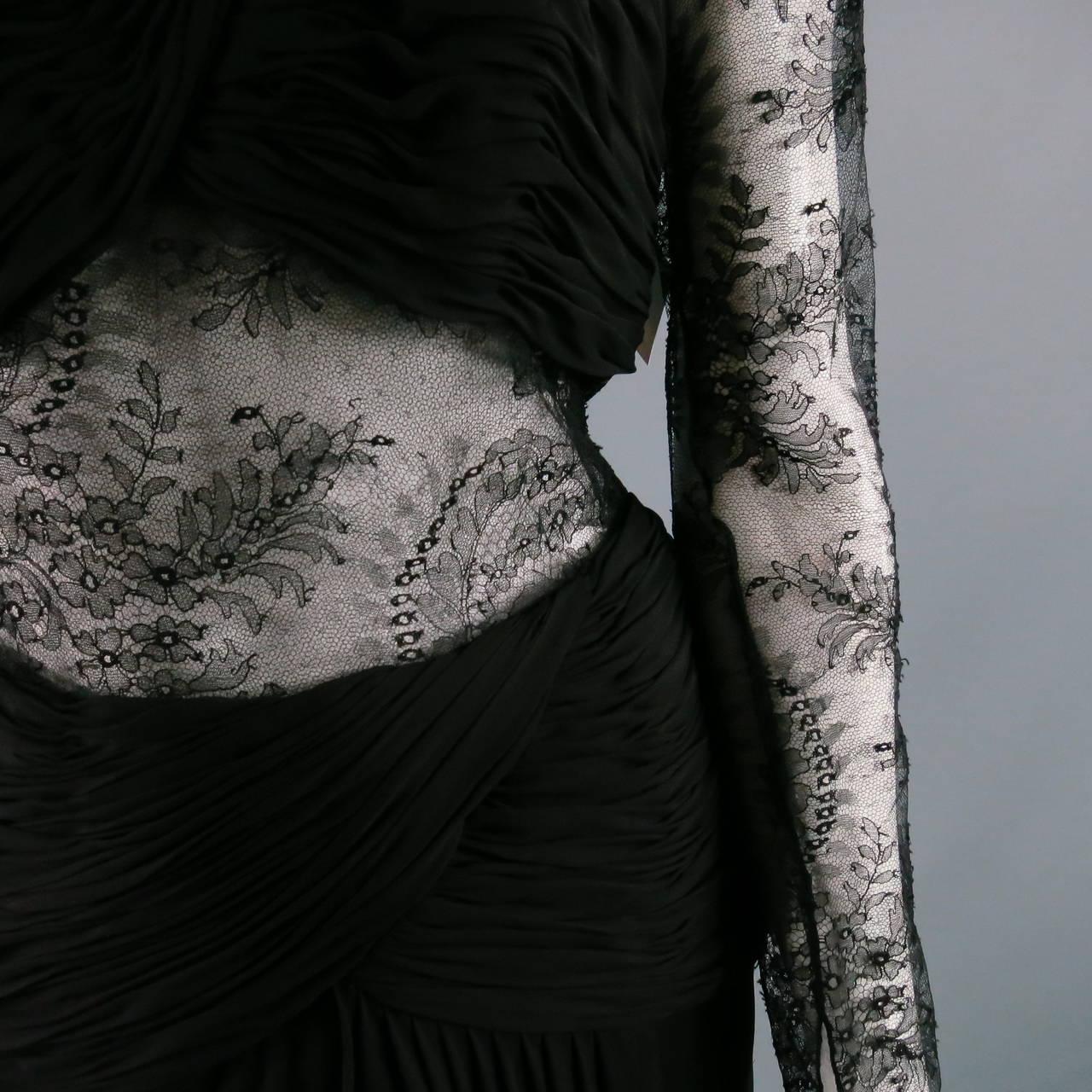 1990's OSCAR DE LA RENTA Size 8 Black Silk Lace Long Sleeve Gown/Evening Wear In Excellent Condition For Sale In San Francisco, CA