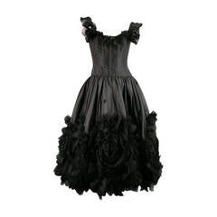 2007s OSCAR DE LA RENTA Size 6 Black Silk Cocktail Dress, Large Floral Detail