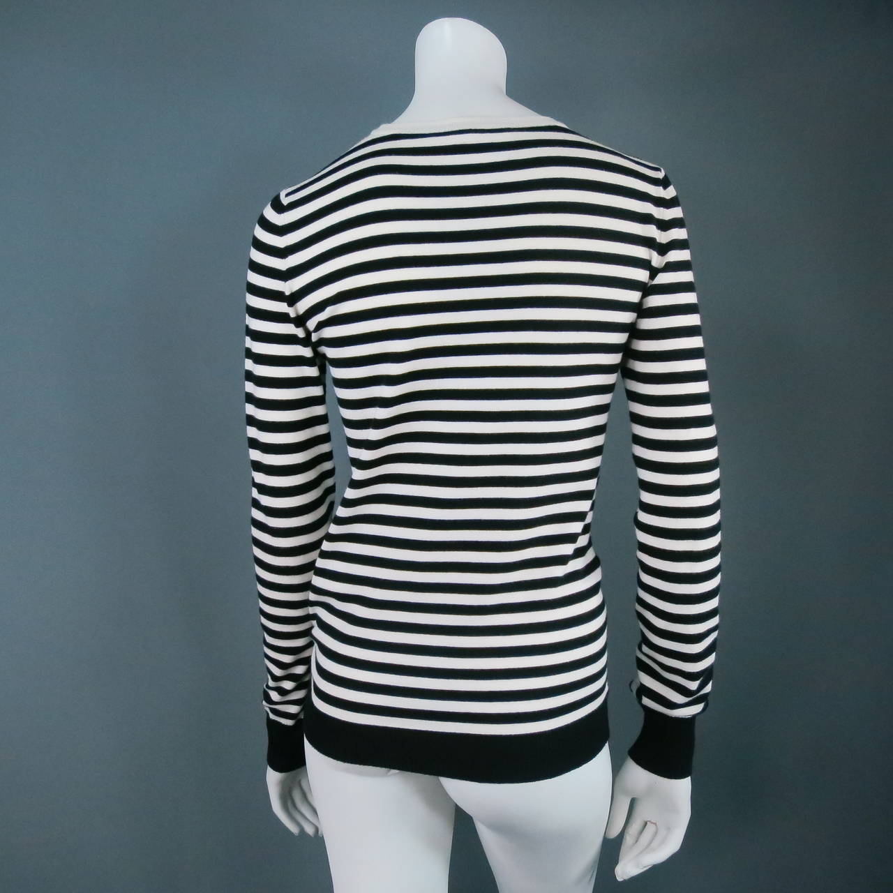 Women's Classic CHANEL Size 6 Black and White Viscose Blend Stripe Sailor Sweater For Sale