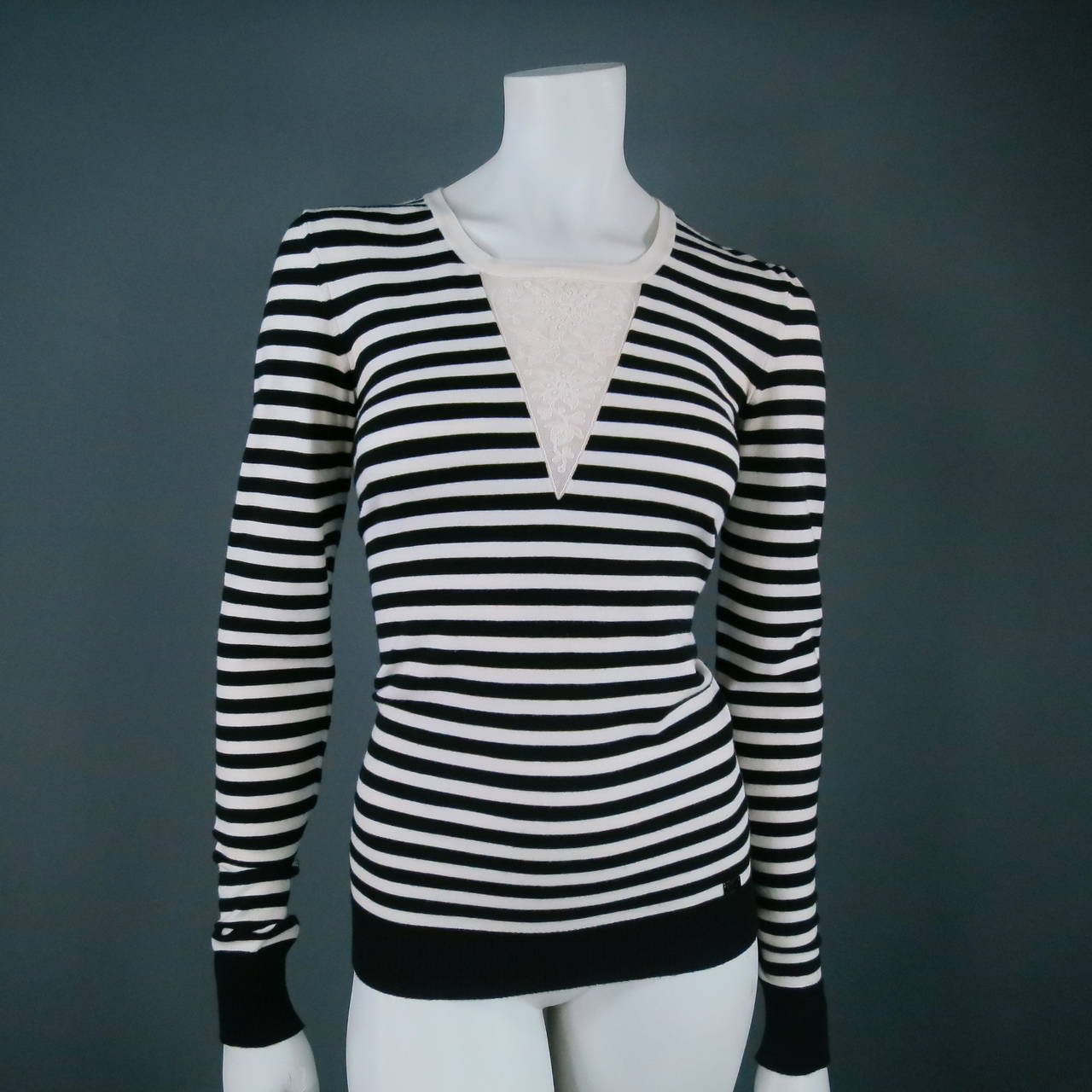 Classic CHANEL Size 6 Black and White Viscose Blend Stripe Sailor Sweater For Sale 3