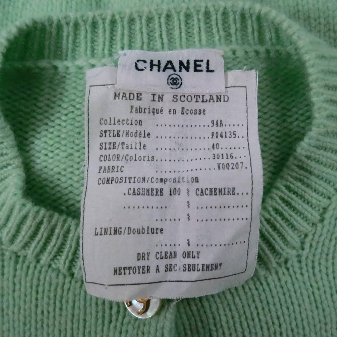 Vintage CHANEL Size M Mint Green Cashmere Cardigan 6