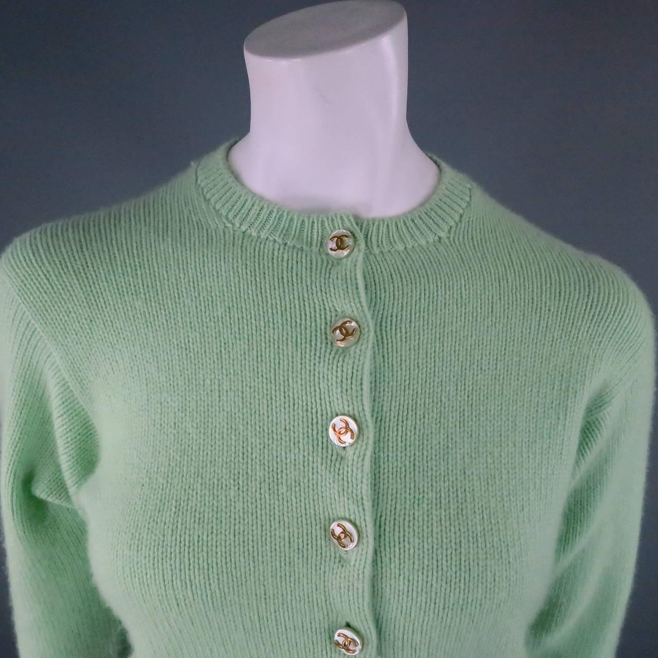 Vintage CHANEL Size M Mint Green Cashmere Cardigan 4