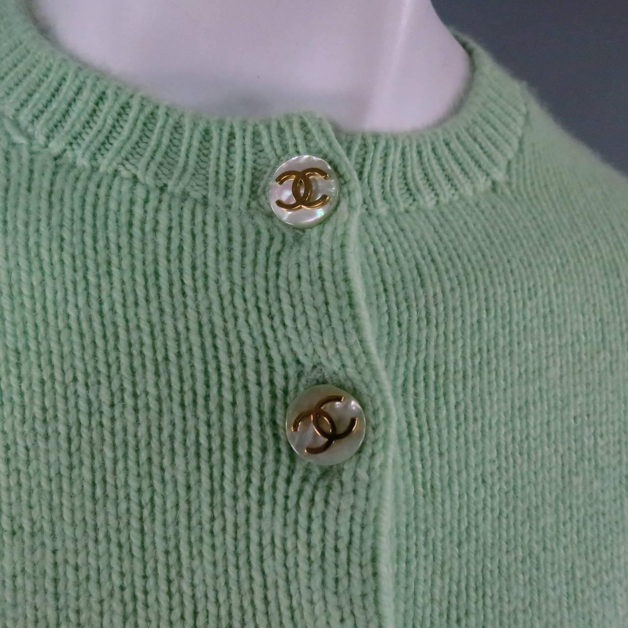 Vintage CHANEL Size M Mint Green Cashmere Cardigan 5