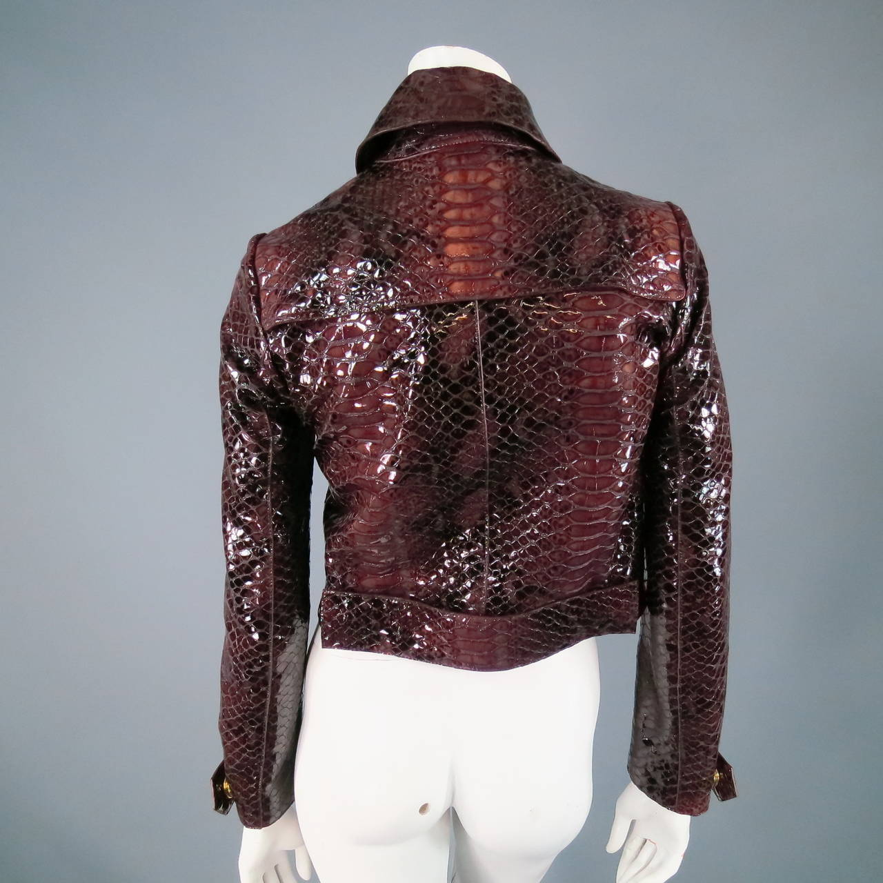 2013's BURBERRY PRORSUM Size 4 Burgundy Python Embossed Patent Leather Jacket 5