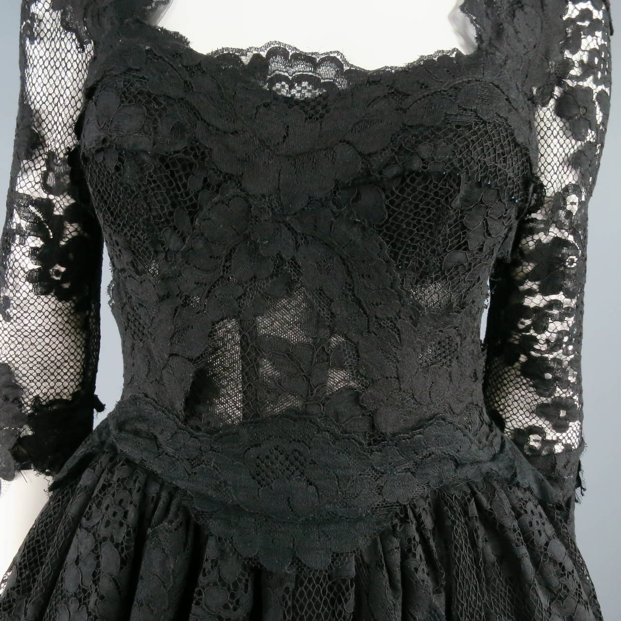 DOLCE & GABBANA Size 6 Black Lace Cocktail Dress For Sale 2