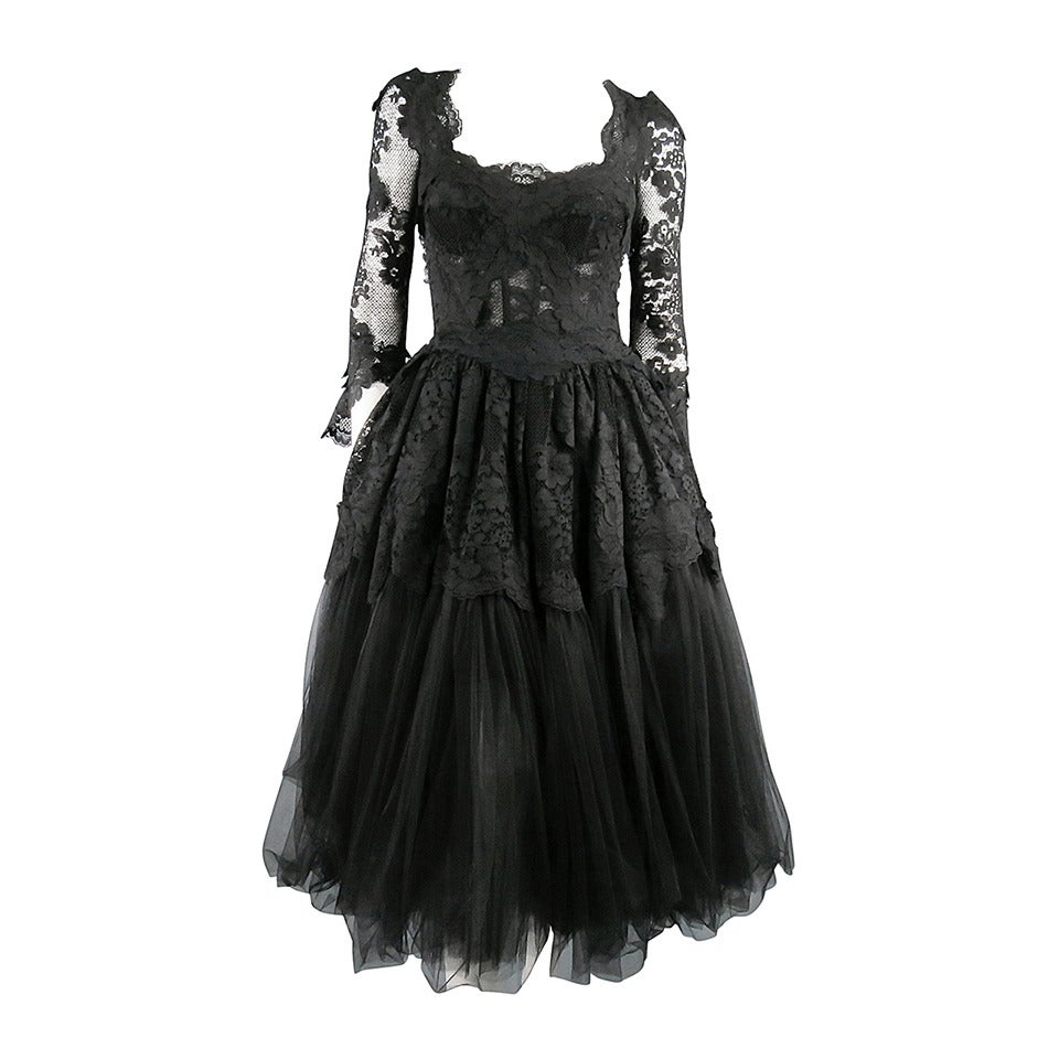 DOLCE & GABBANA Size 6 Black Lace Cocktail Dress For Sale