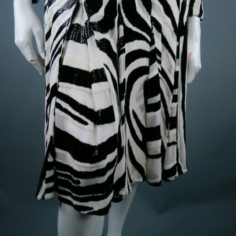 Fall 2013's TOM FORD Size 6 Zebra Tinsel Silk Pleated Dress For Sale 3