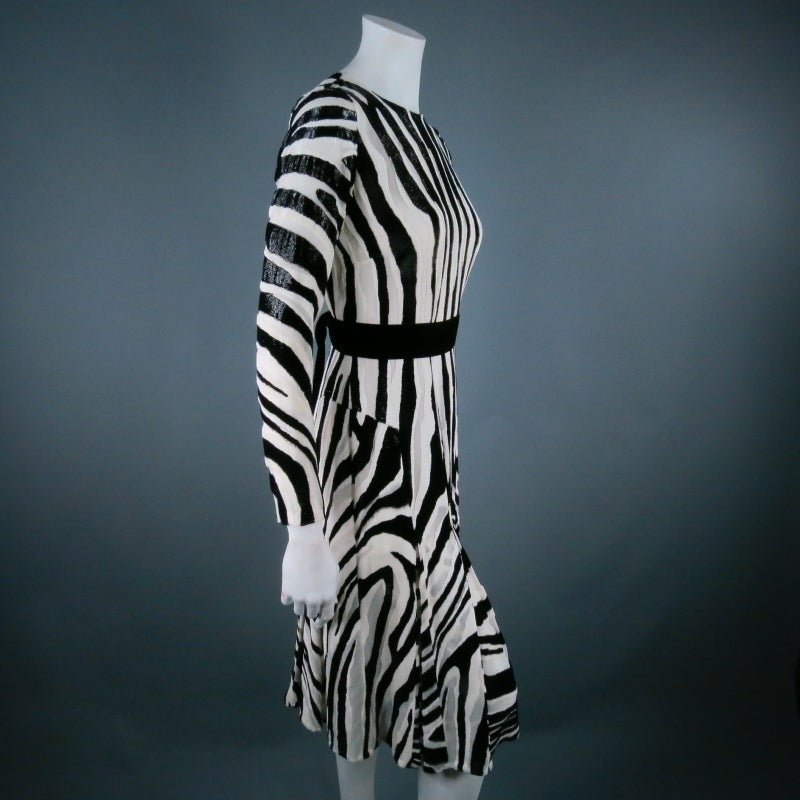 Fall 2013's TOM FORD Size 6 Zebra Tinsel Silk Pleated Dress For Sale 4