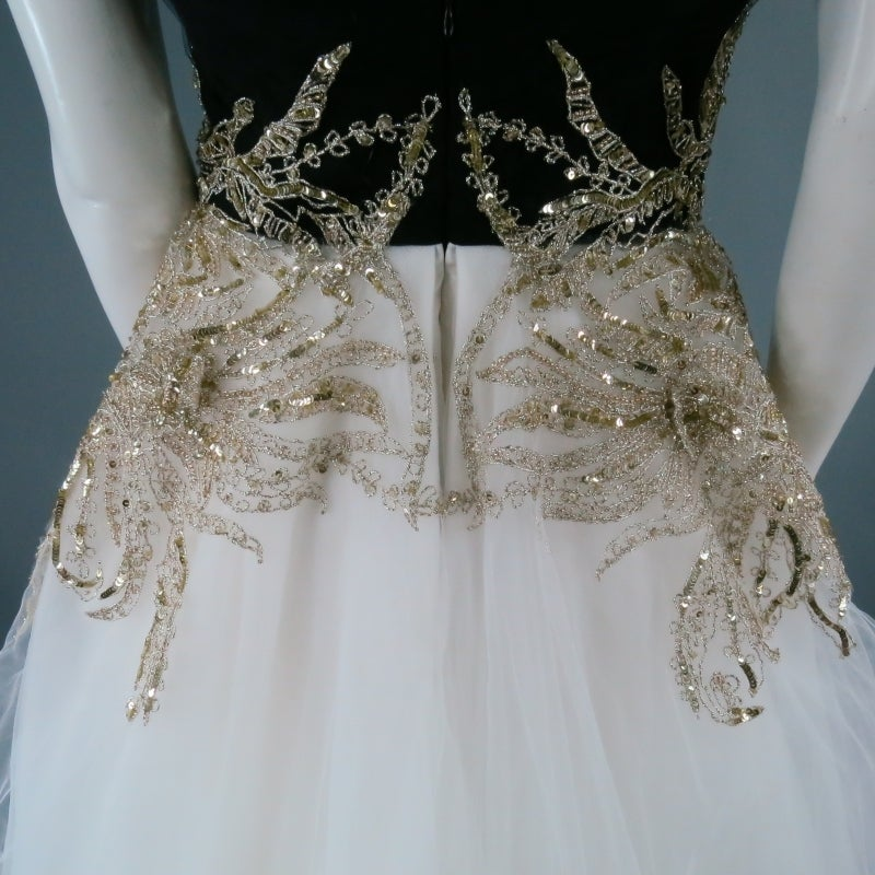 MARCHESA Size 4 Off White Silk Tulle Gown/Evening Wear In Excellent Condition For Sale In San Francisco, CA