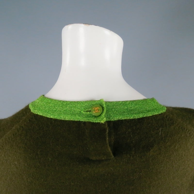 CHANEL Size 6 Olive Sequin Cashmere Green Sparkle Lurex Trim Cardigan Set 1998 For Sale 2