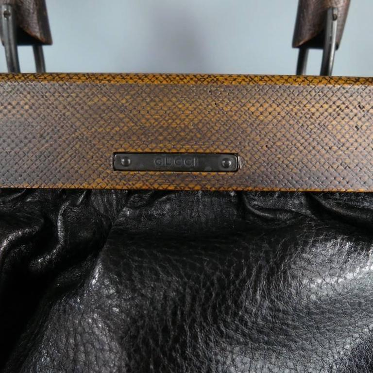 32bb35d89a54 GUCCI by TOM FORD Wooden Handles Black Leather Doctor Satchel 2002 Bag For  Sale 5